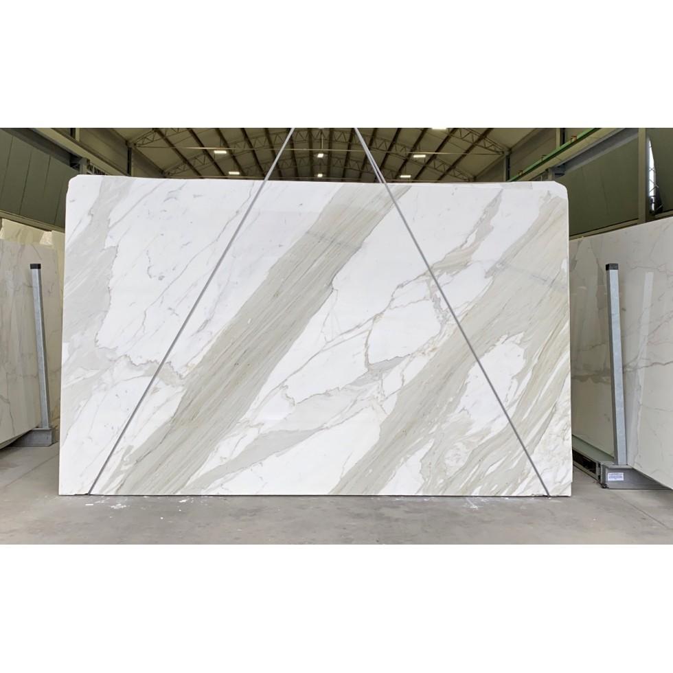 Bundle 3 | 8 Polished Slabs | 44.40 m2 | 478 SF | 2486 kg