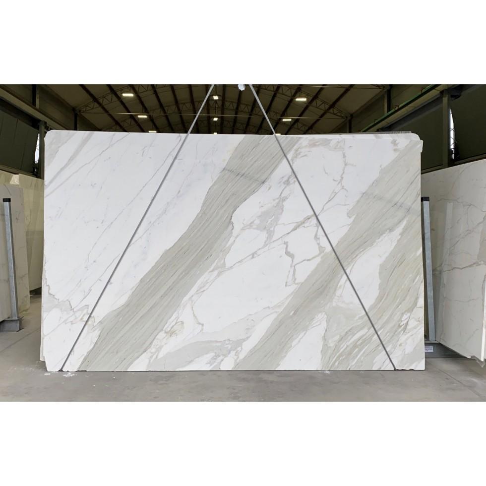 Bundle 4 | 8 Polished Slabs | 44.40 m2 | 478 SF | 2486 kg