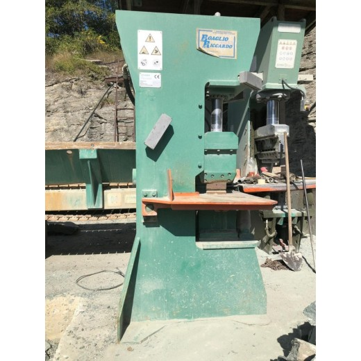 VERTICAL SPLITTING MACHINE STEINEX IGLOO 1M SA – 120 TON